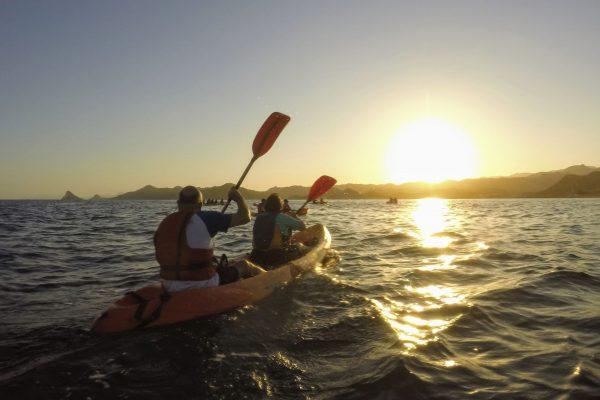 Kayak al atardecer 🛶🌅 Noche de Luna Llena 🌕 Cabo Cope